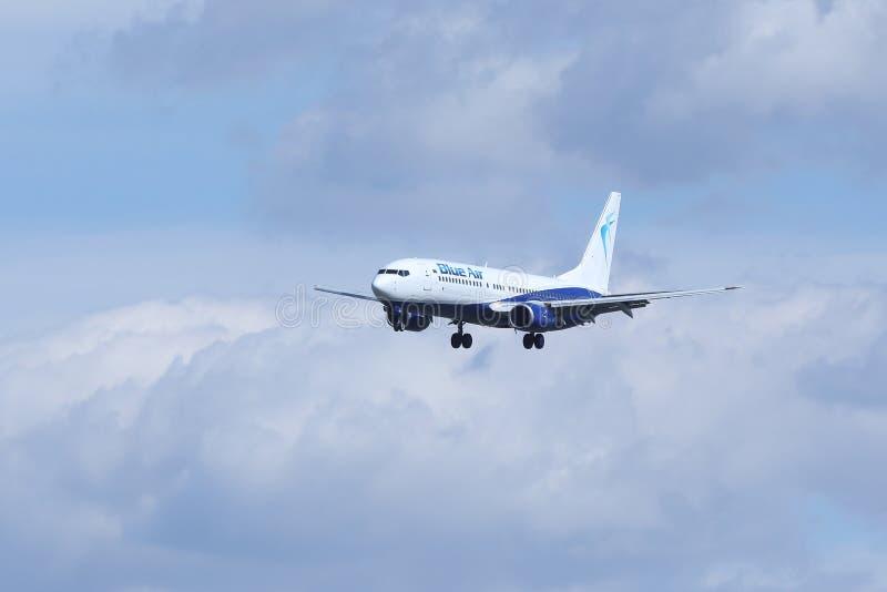 Blue Air Boeing 737-800 YR-BMH, Liverpool livré upp i det sy arkivfoton