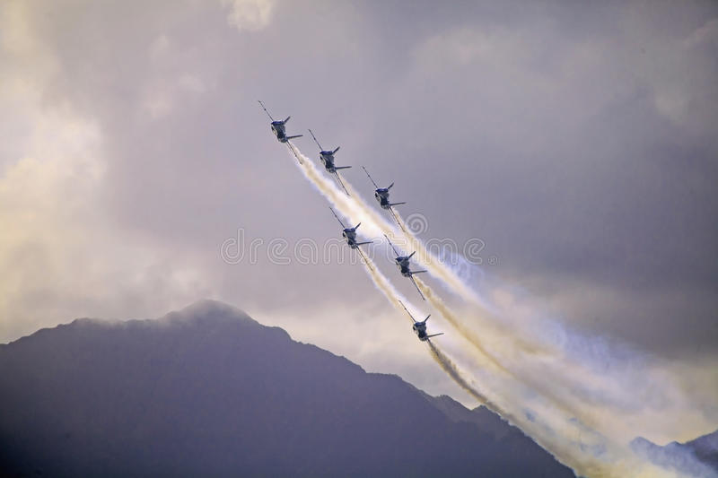 Download Blue Angels At Kaneohe Airshow Editorial Stock Photo - Image of hornet, flight: 27044108