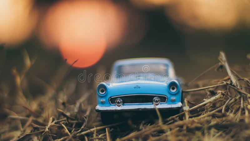 Blue Car Die-cast Scale Model Focus Photo stock afbeeldingen
