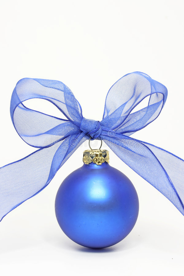Free Blue Christmas Ball Royalty Free Stock Photography - 2808397