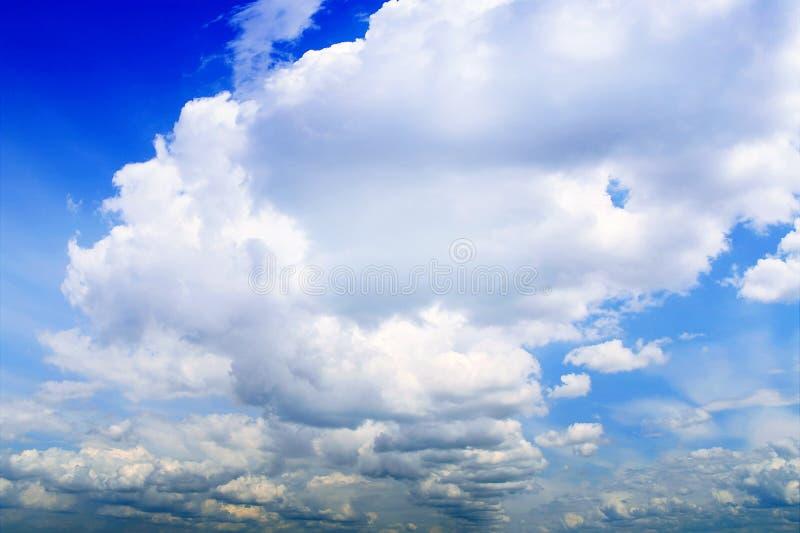 Blue cloudy sky royalty free stock photos