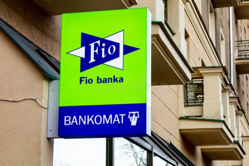 hypo banka split bankomati credit