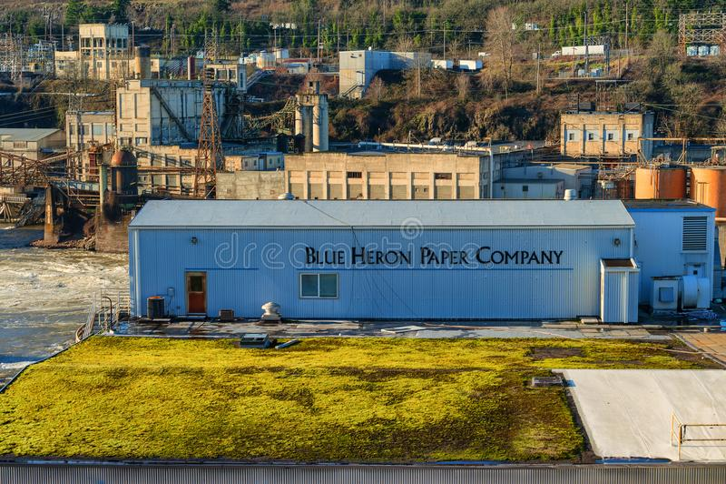 Blue Heron Paper Mill awaits demolition in Oregon City. Oregon City, Oregon, USA - December 30, 2015: No longer operating, the Blue Heron Paper Mill along the stock images