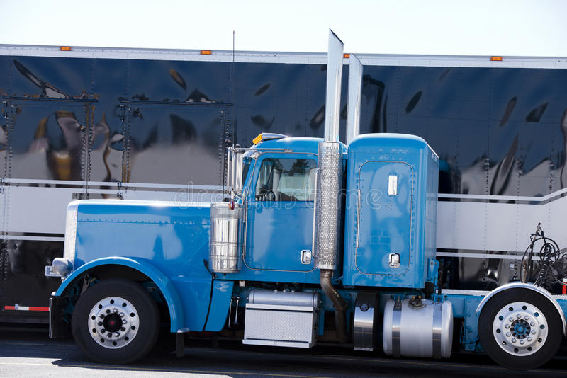 Blue icon american custom big rig semi truck profile stock for American classic realty