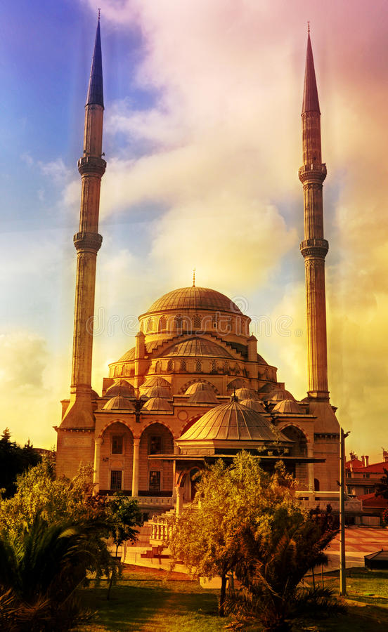 Free Blue Mosque In Istanbul Royalty Free Stock Photography - 14893277