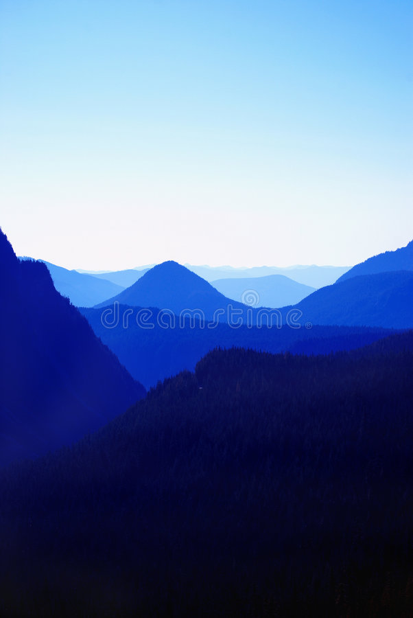 Free Blue Mountain Royalty Free Stock Images - 6760109