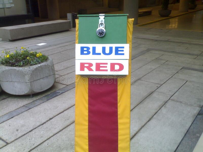 Blue Red At Ubc Robson Free Public Domain Cc0 Image