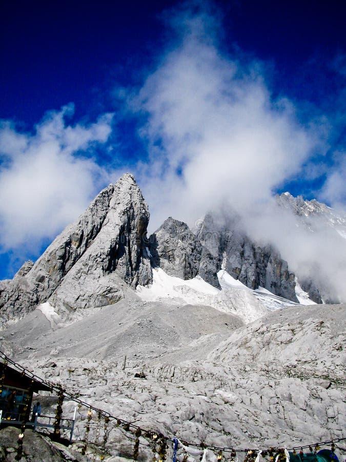 Blue sky, Snowy Stone Mountain stock photography