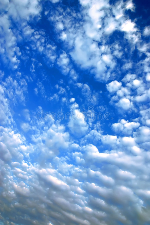 Free Blue Sky With Clouds Royalty Free Stock Photo - 9062875