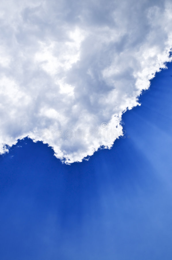 Free Blue Sky With Sunrays Royalty Free Stock Photo - 6006915