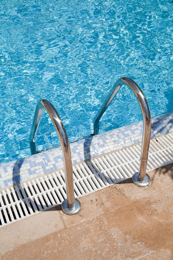Download Blue Swimmingpool stock image. Image of rest, einstieg - 20673215