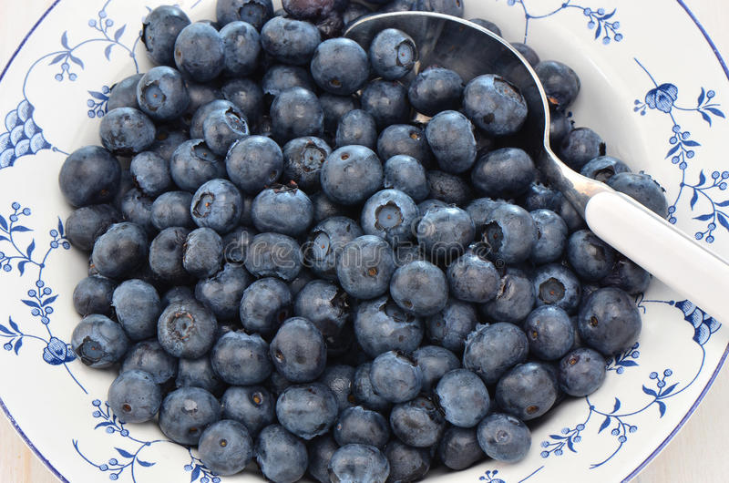 Blueberries In A Pretty Dish Royalty Free Stock Photo
