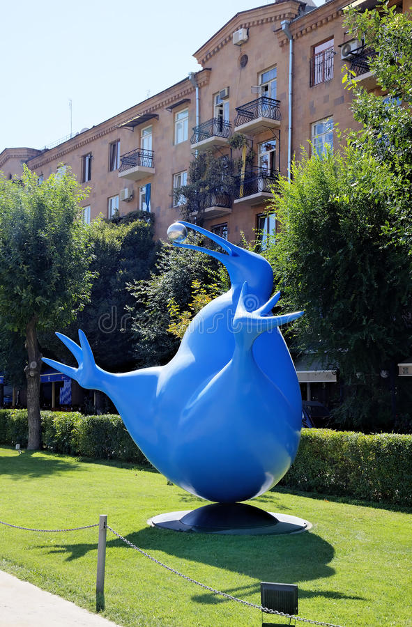 Bluebird of happiness of the Kiwi. Exhibition of modern sculptures. Big Cascade. stock photography