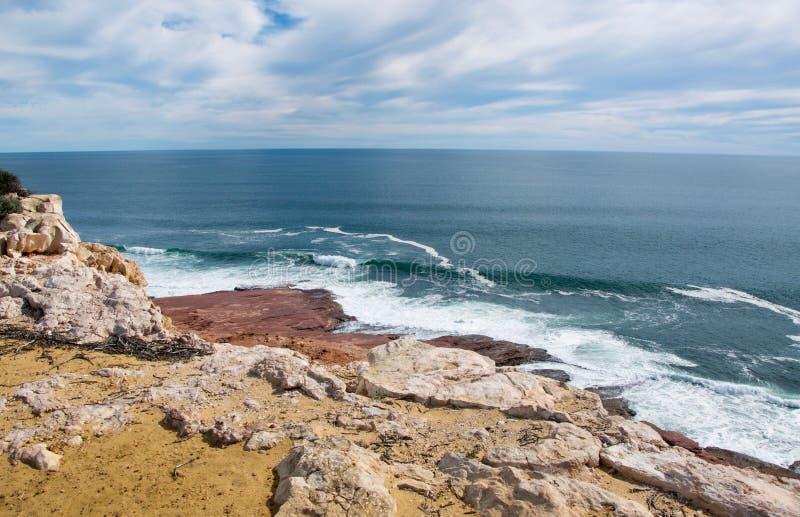 Bluff rosso: Cliff Views fotografie stock