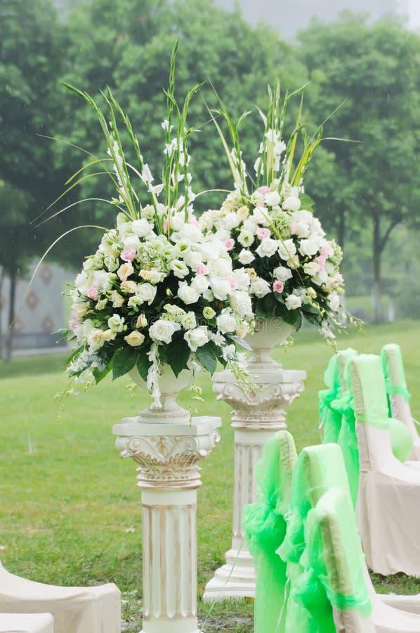 Blume im Hochzeitsempfang stockfotografie