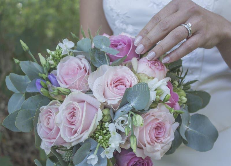 Blume und blaue Spitzee vom Strumpfband lizenzfreie stockfotos