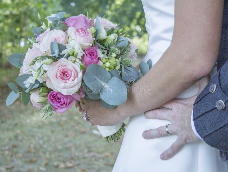 Blume und blaue Spitzee vom Strumpfband lizenzfreies stockbild