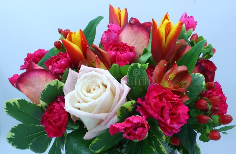 Blumen-Anordnung lizenzfreie stockfotografie