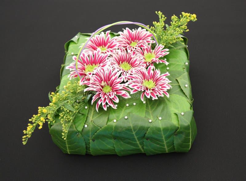 Blumen-Anordnung. lizenzfreie stockbilder