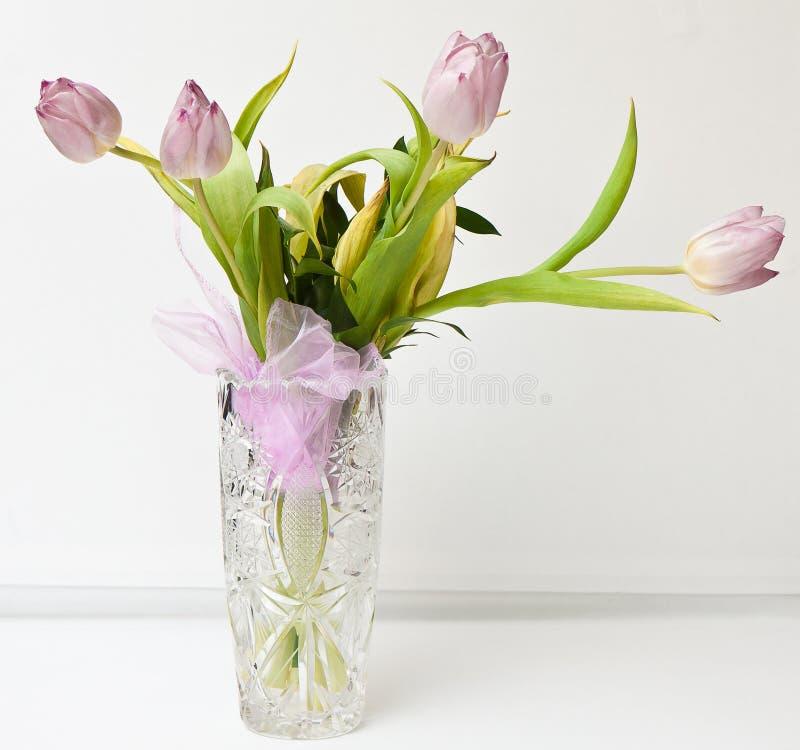 Blumen in einem Vase lizenzfreies stockbild