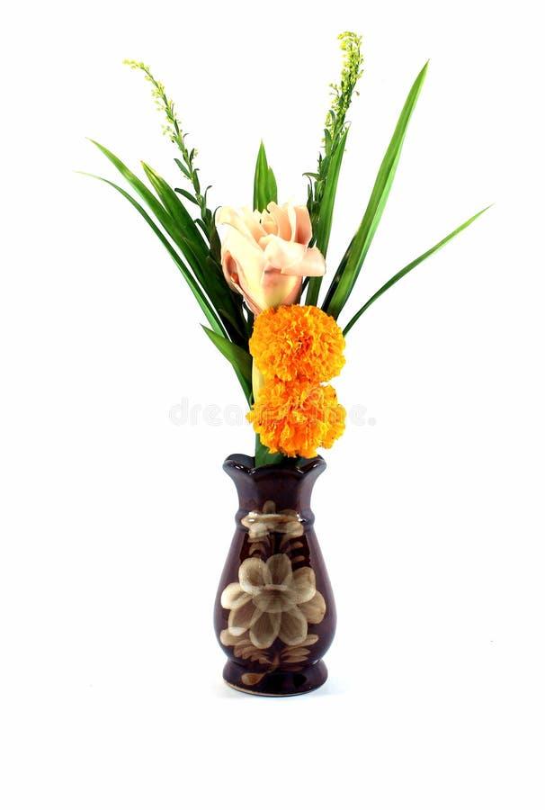 Blumen in einem Vase für Buddha stockbilder
