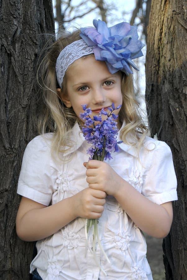Blumen-Mädchen lizenzfreie stockfotos