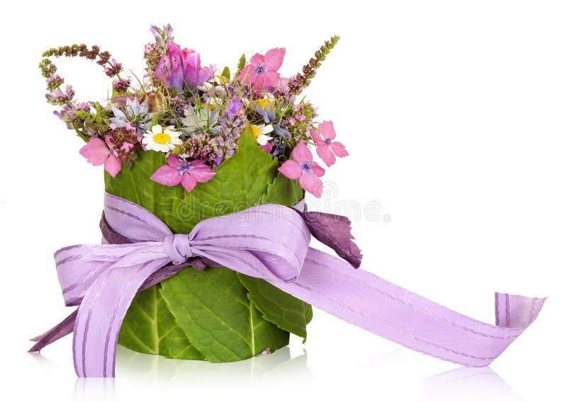 Blumenanordnung, Tischschmuck, vorhanden lizenzfreie stockfotografie