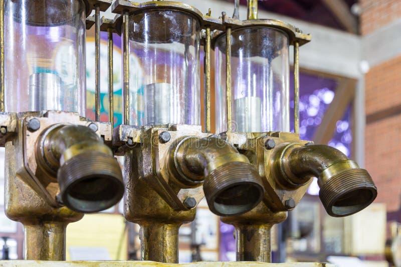 Blumenau, Santa Catarina Equipamentos velhos da cervejaria no museu da cerveja imagens de stock