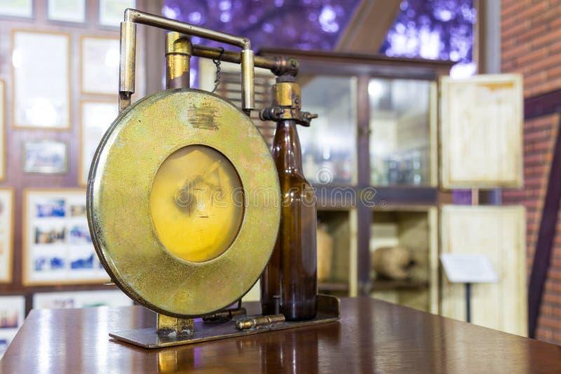 Blumenau, Santa Catarina Equipos viejos de la cervecería en el museo de la cerveza imagenes de archivo