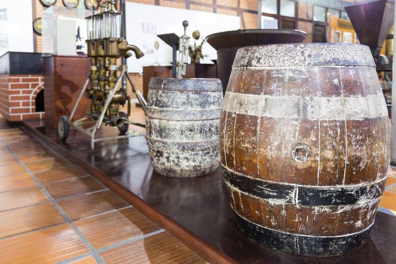 Blumenau Santa Catarina Gamla bryggeriutrustningar på ölmuseet royaltyfria foton