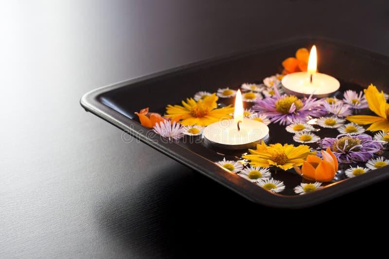 Blumenblätter verziert mit Lufterfrischungsmittel lizenzfreies stockfoto