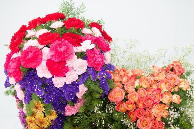 Blumenblumenstrauß auf der Blumenschau stockbild