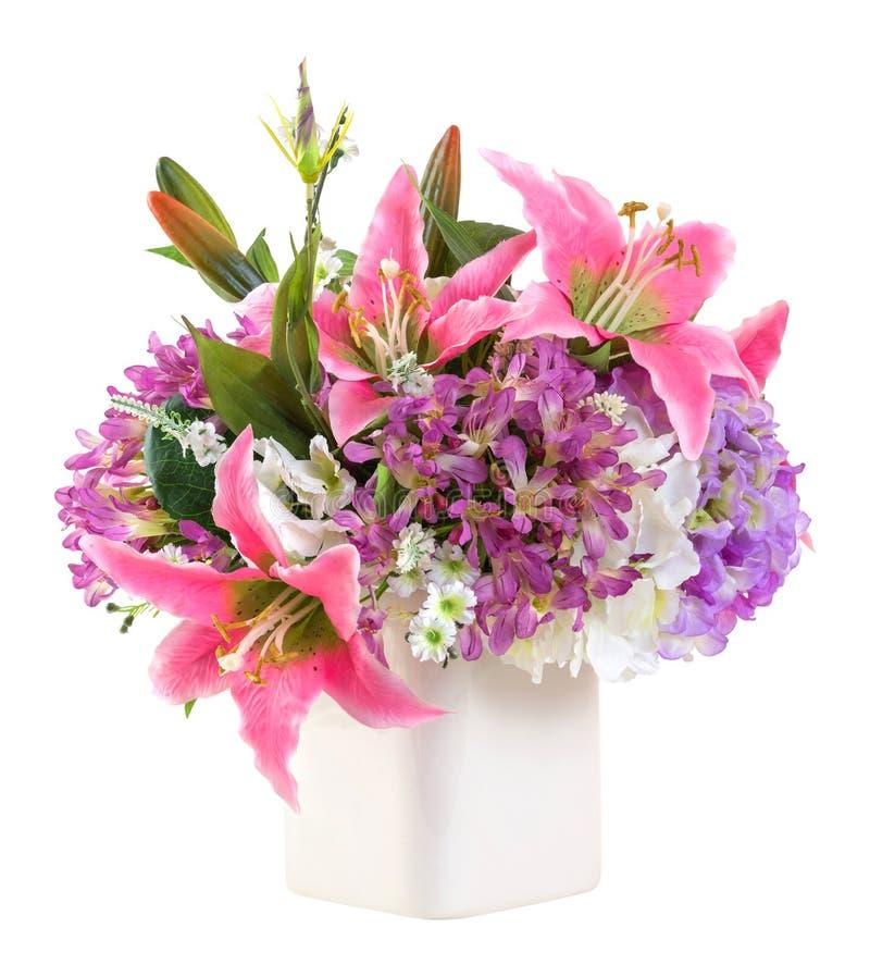 Blumenblumenstrauß im weißen keramischen Topf lizenzfreie stockfotos