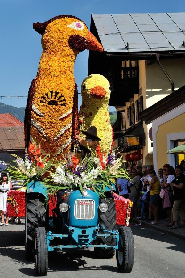 Blumencorso à Kirchberg dans le Tirol photos stock