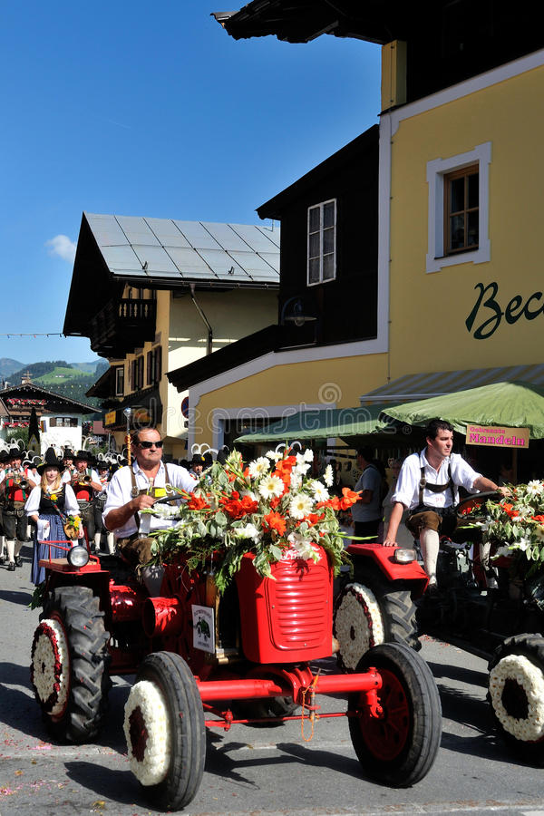 Download Blumencorso In Kirchberg In Tirol Editorial Image - Image: 20711550