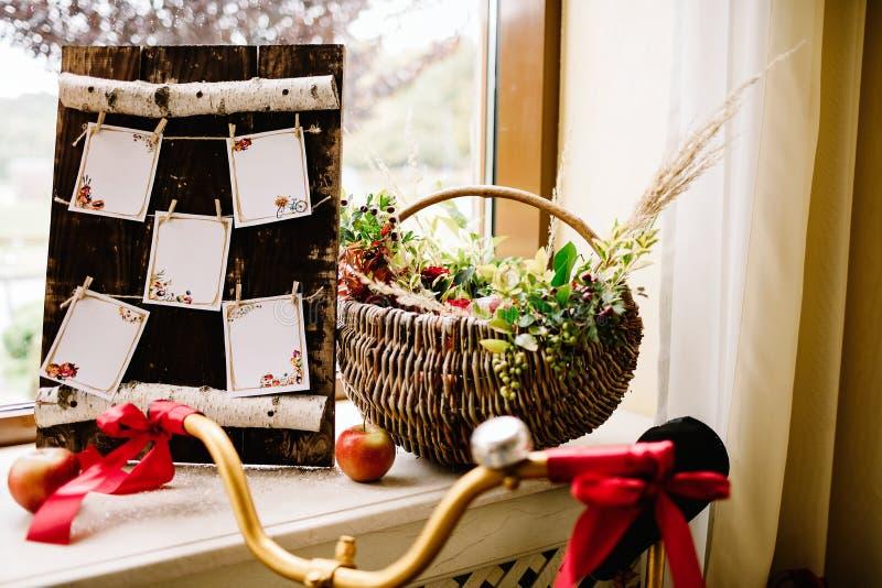 Blumendekoration der ursprünglichen Hochzeit Herbstdekoration, Dekoration stockbilder