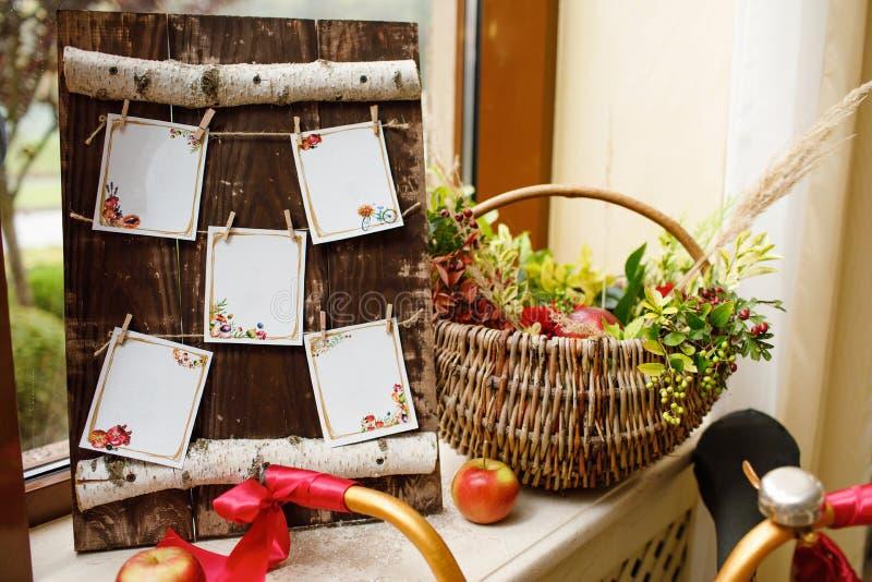 Blumendekoration der ursprünglichen Hochzeit Herbstdekoration, Dekoration lizenzfreie stockbilder