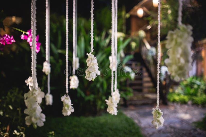 Blumendekoration für Partei draußen stockfoto