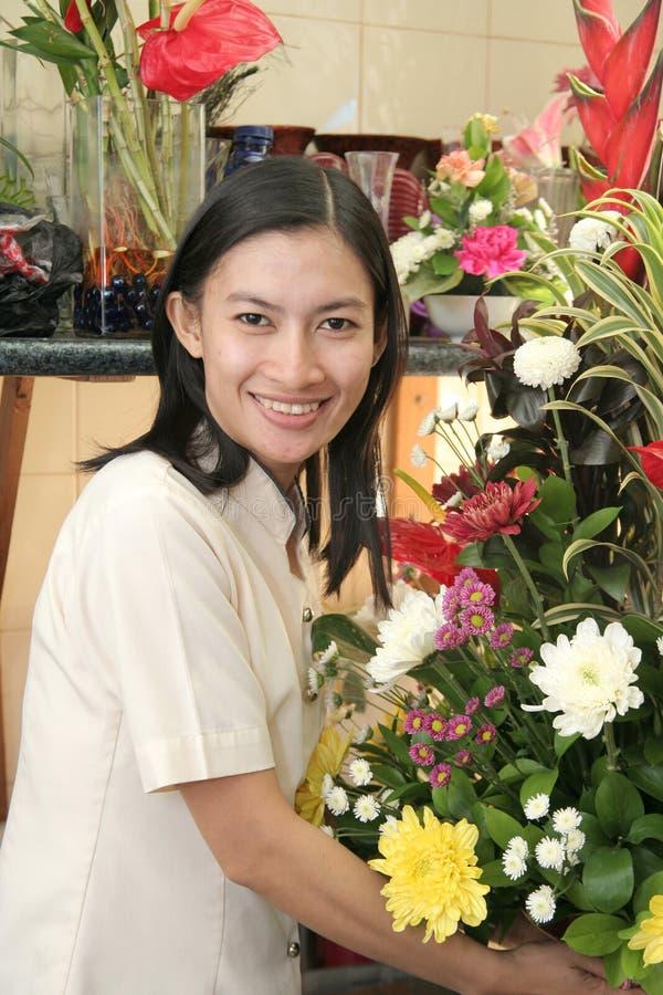 Blumenhändler bei der Arbeit lizenzfreie stockbilder