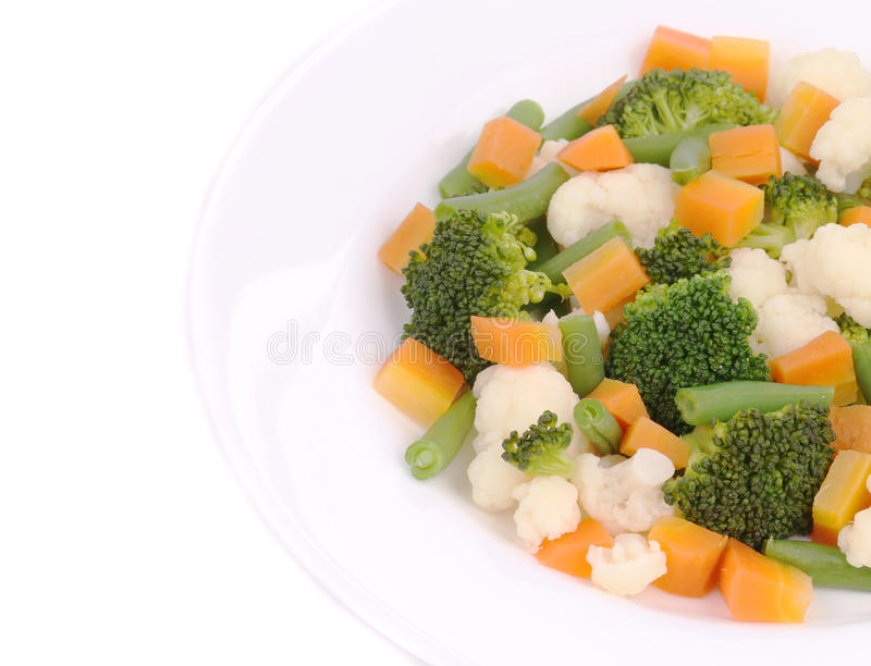 Blumenkohlsalat mit Brokkoli und Karotte lizenzfreie stockfotografie
