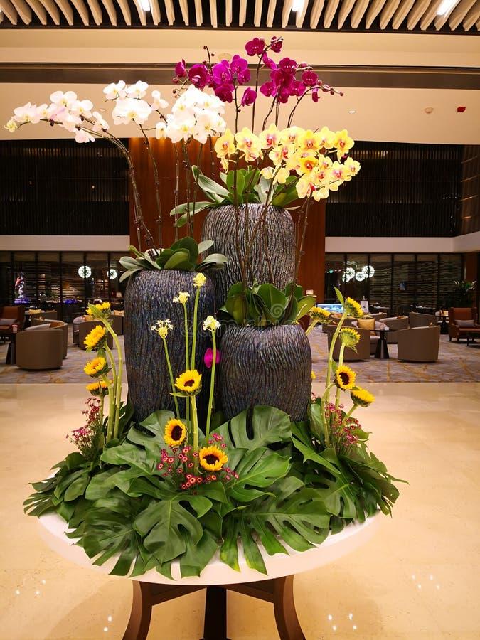 Blumenkunst im Hotel stockfoto