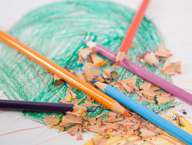 Blumenleistung - Bleistifte lizenzfreie stockfotos