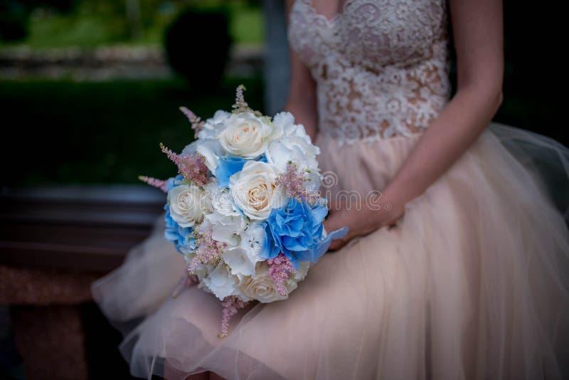Blumenstrauß der standesamtlichen Trauung lizenzfreie stockfotos