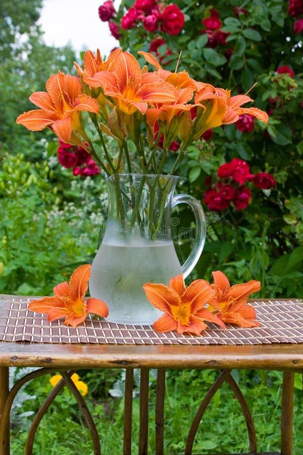 Blumenstrauß der Taglilie Blumen lizenzfreie stockfotografie