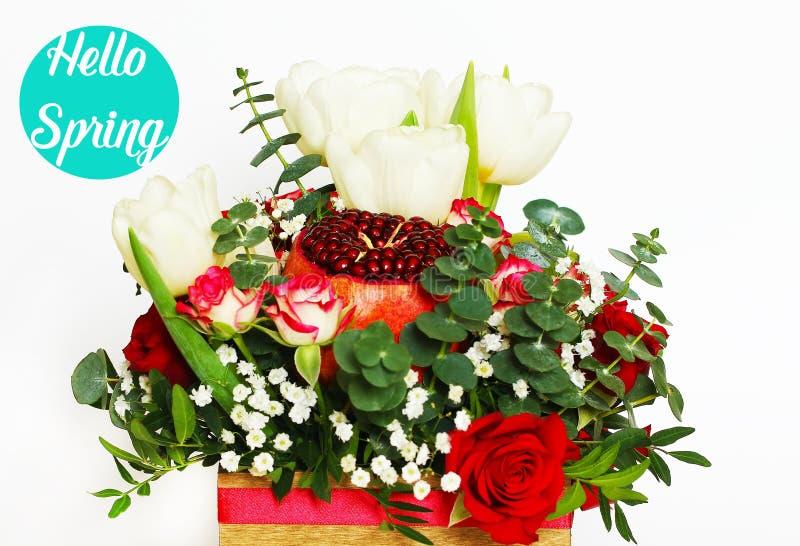 Blumenstrauß mit Frucht und Blumen stockfotos