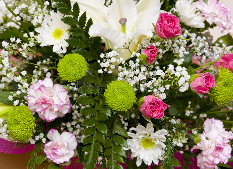 Blumenstrauß mit Lilie lizenzfreies stockbild