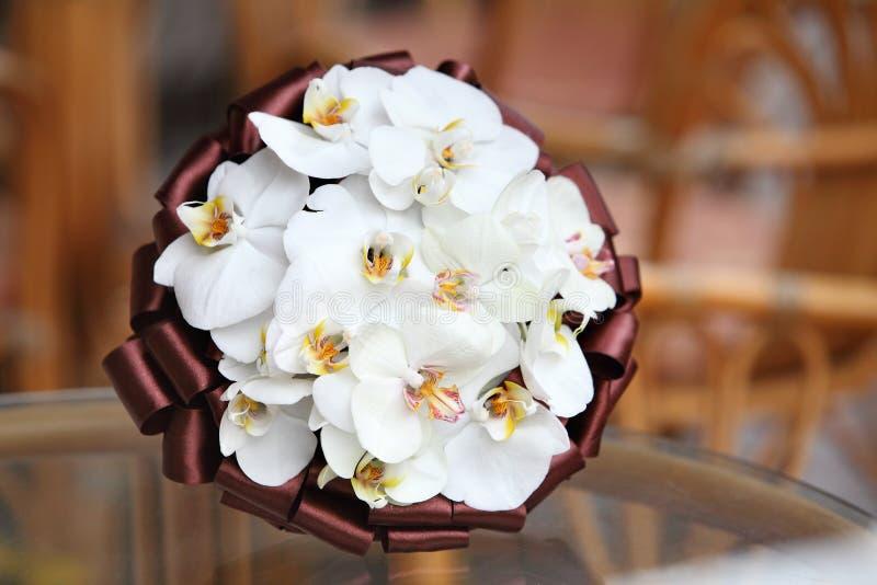 Blumenstrauß von Blumen für die Braut von den Orchideen lizenzfreie stockbilder