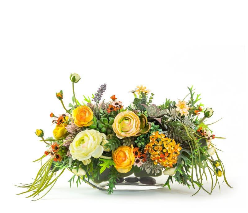 Blumenstrauß von Blumen im Glasvase stockfotos