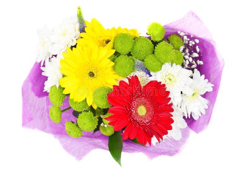 Blumenstrauß von bunten Blumen im weißen Hintergrund stockfotos