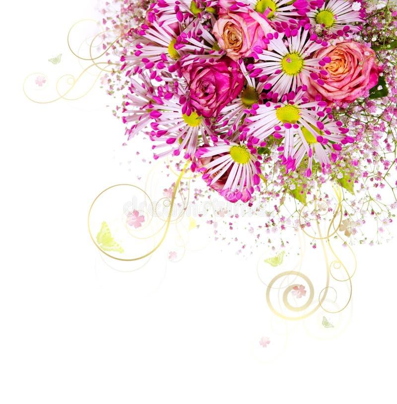 Blumenstrauß von rosa Rosen und weißen von Astern lokalisiert lizenzfreies stockfoto